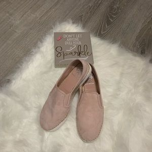 NWOB Vince Camuto size 8 Shoes.